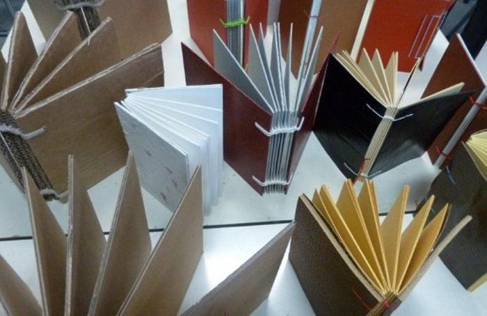 Workshop Boekbinden: kleine boekjes met soepele band